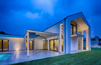 Geometry of three elements – Contemporary house