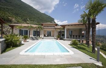 Modern house - Mezzegra Italy
