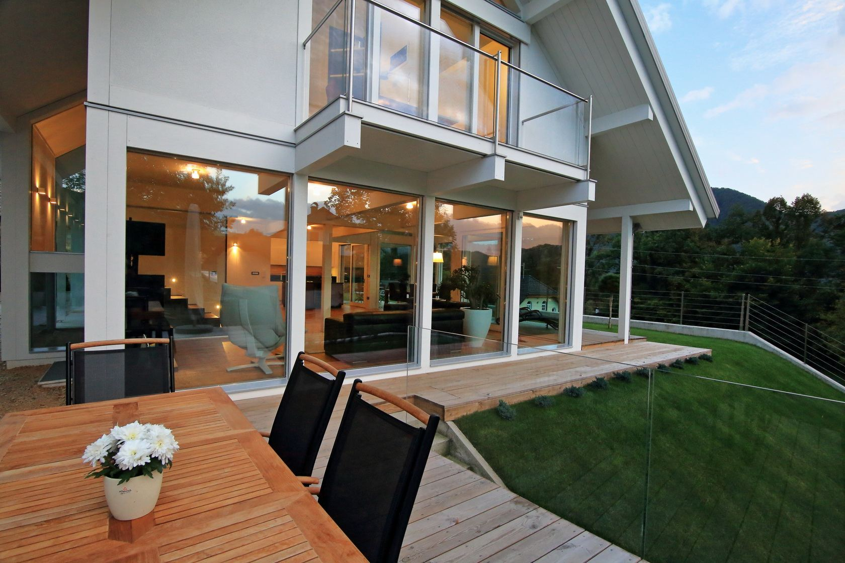 Elegance on 21 - Glass house