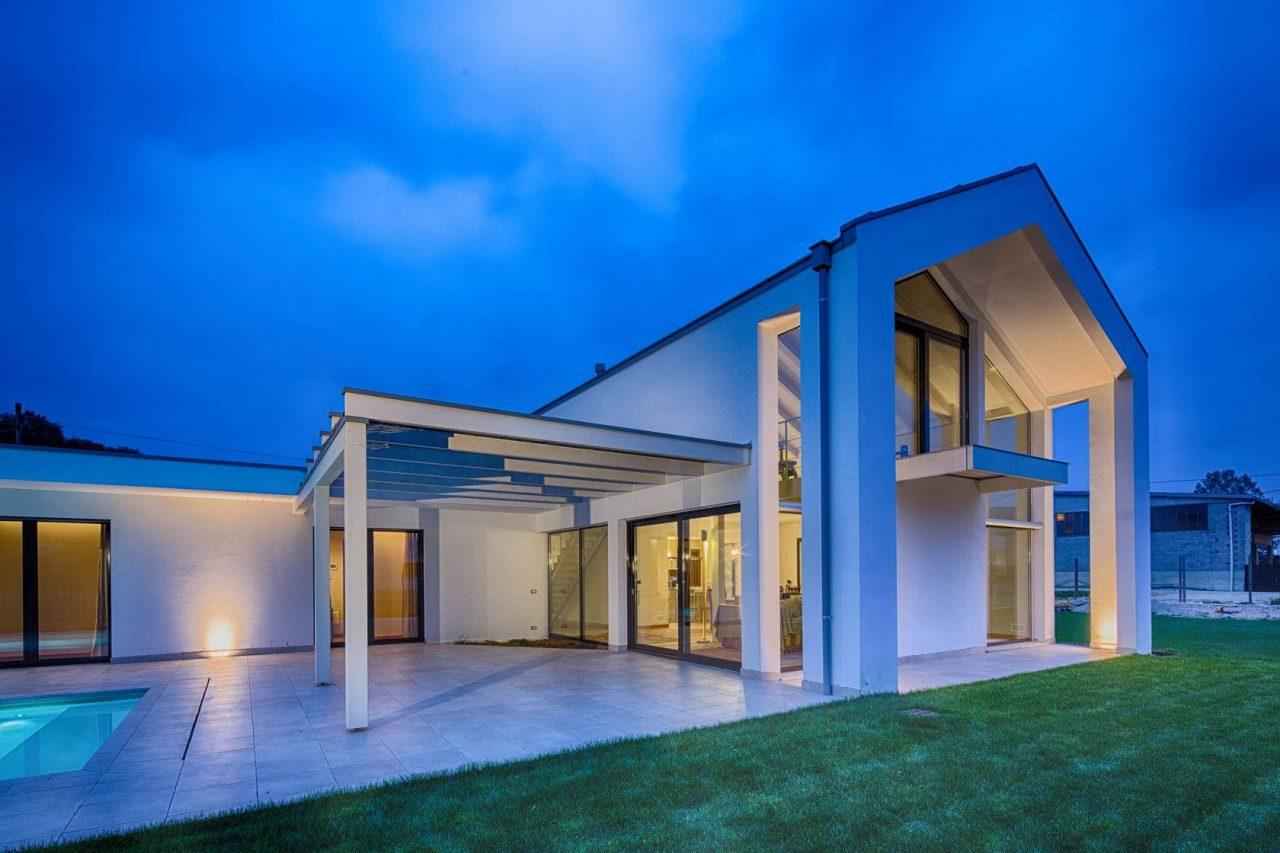 Modern house - Cureggio Italy