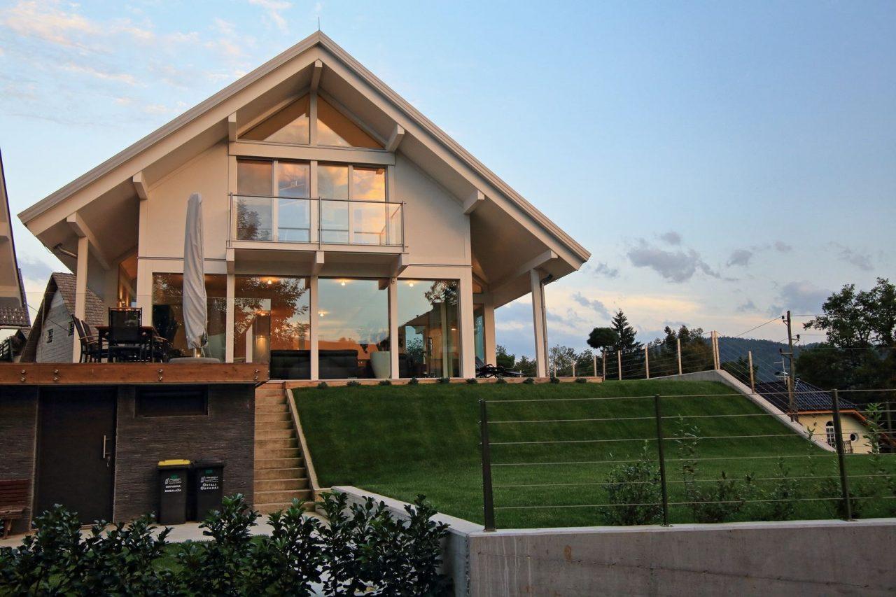 Elegance on 21 - Glass house